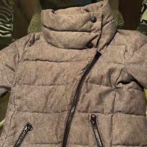 Gap coat in size 6-7 for girls. A real winner.